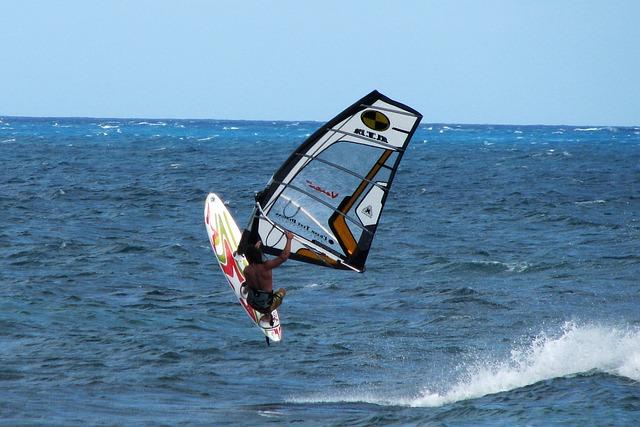 windsurf-329056_640