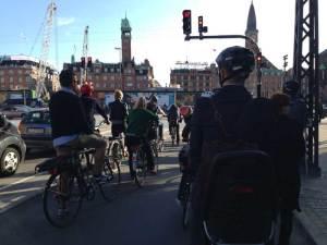 Radfahrer-am-Rathausplatz